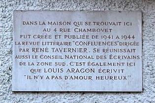 gevelsteen Lyon - foto: Xavier Caré @ Wikimedia Commons, CC by-sa, bewerkt door JudyElf